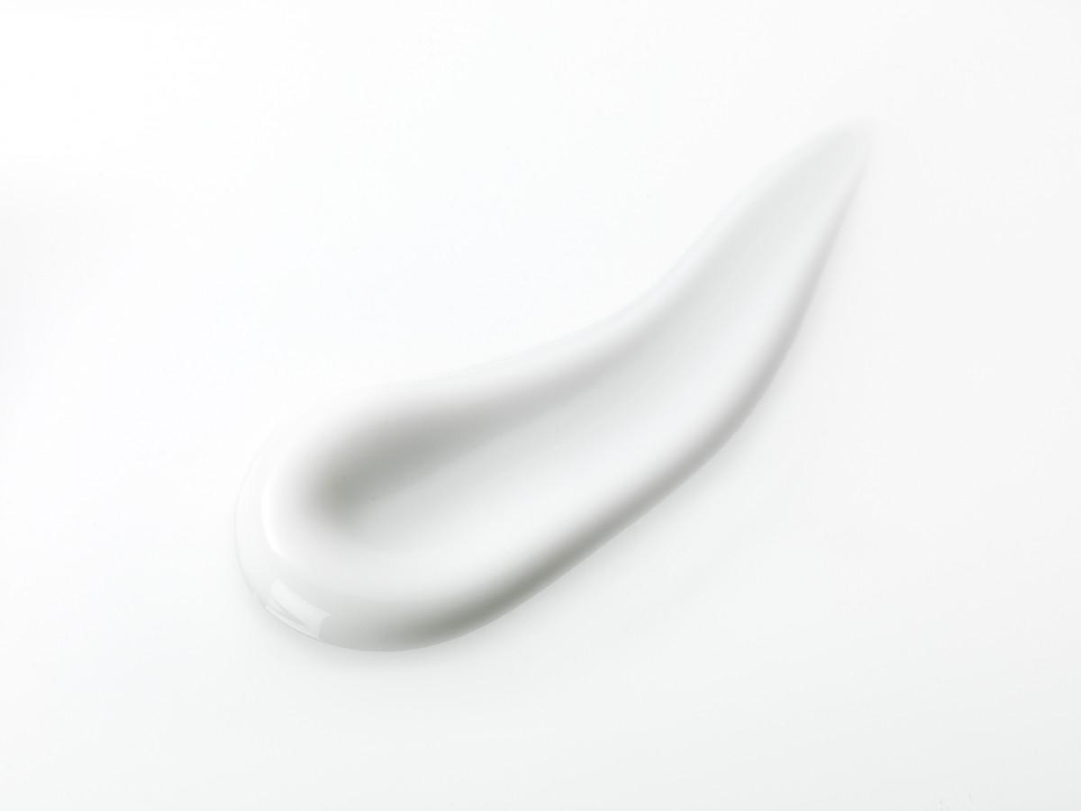 190397 clear skin reduce cream inside